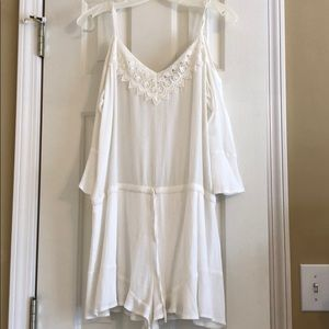 White drop shoulder romper from boutique